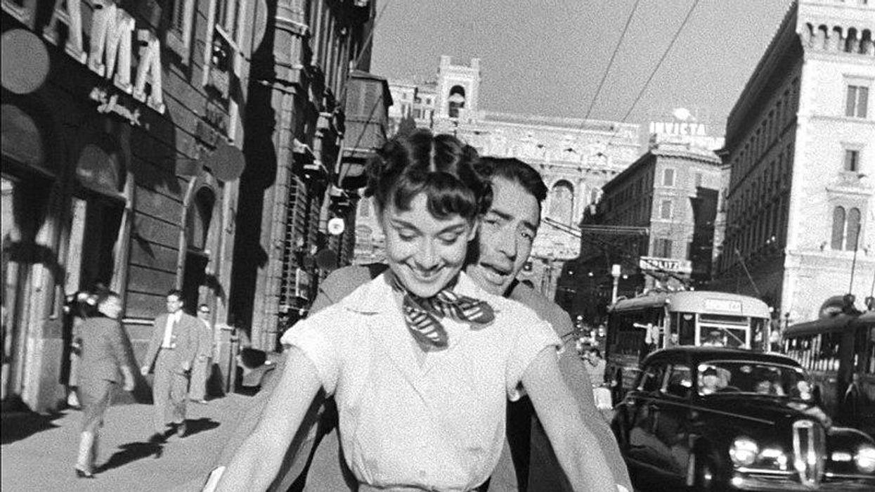 Audrey Hepburn és Gregory Peck a Római vakáció című filmben