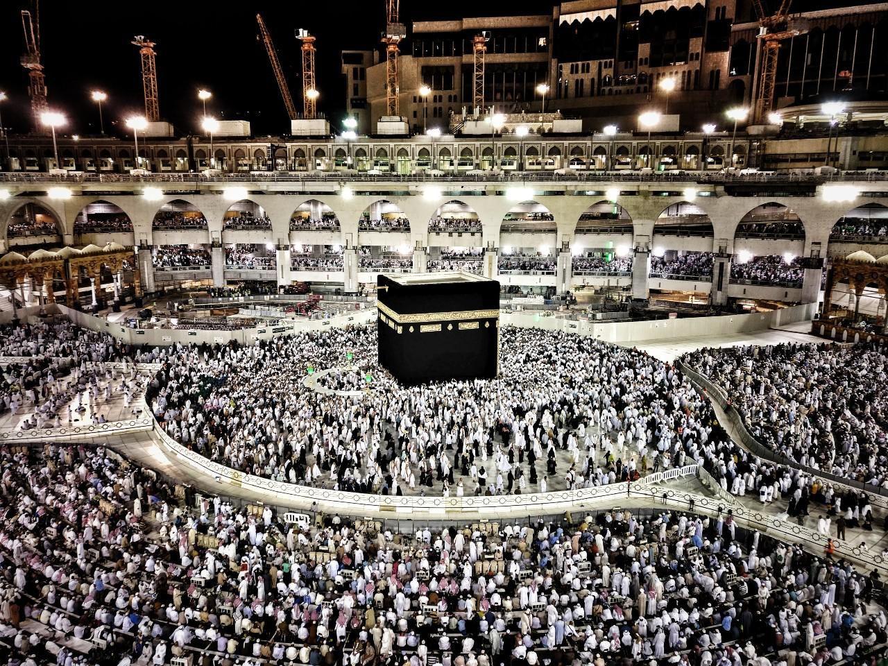 Tömegek zarándokolnak minden évben a Szent Mecsethez Mekkában