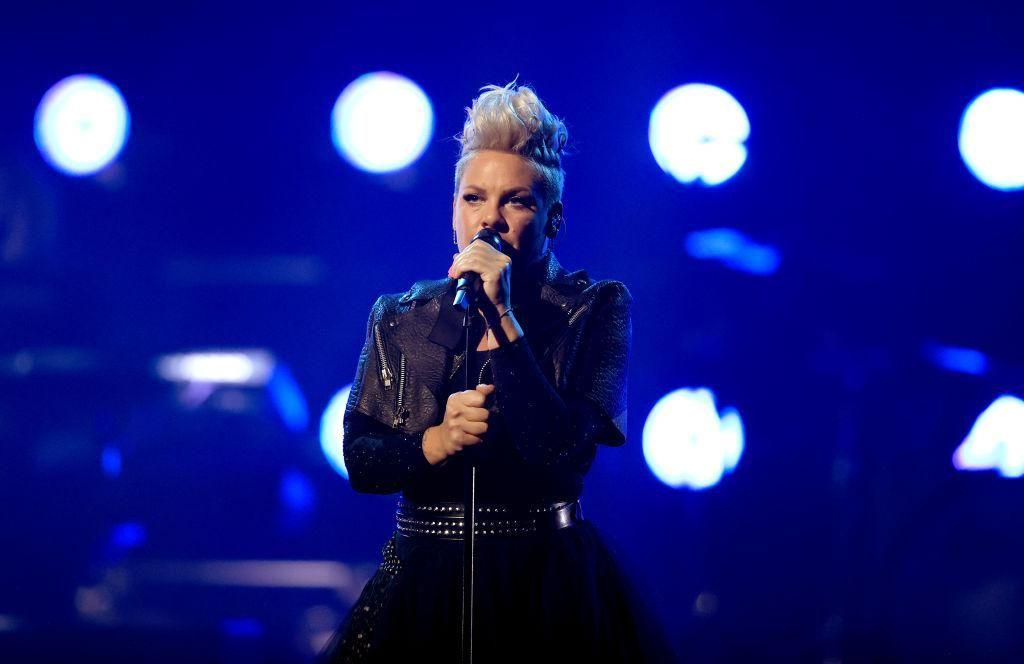 Pink fellép a 2021-es Billboard Music Awards-on