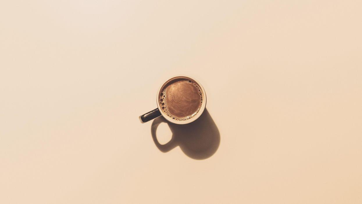 A túlzott kávéfogyasztás növeli a demencia kockázatát