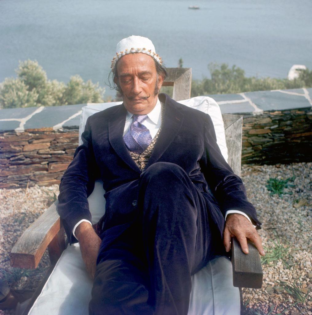 Salvador Dali spanyol festőművész Cadaqués halászfaluban