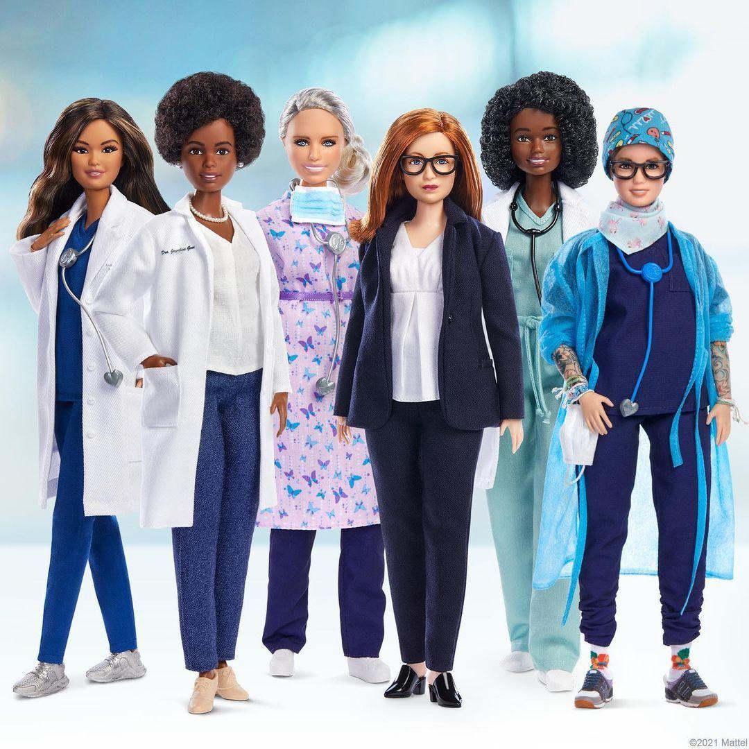 A COVID-19 elleni küzdelem hat fontos női alakjáról mintázta legújabb Barbie-babáit a Mattel.