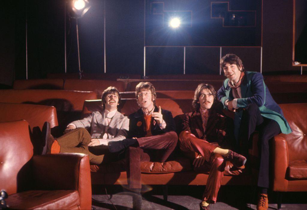A Beatles a TVC animációs stúdiójában Londonban, 1967. november 6-án, ahol a Yellow Submarine című szám elkészítéséről szóló Mod Odyssey című rövidfilmben vettek részt.