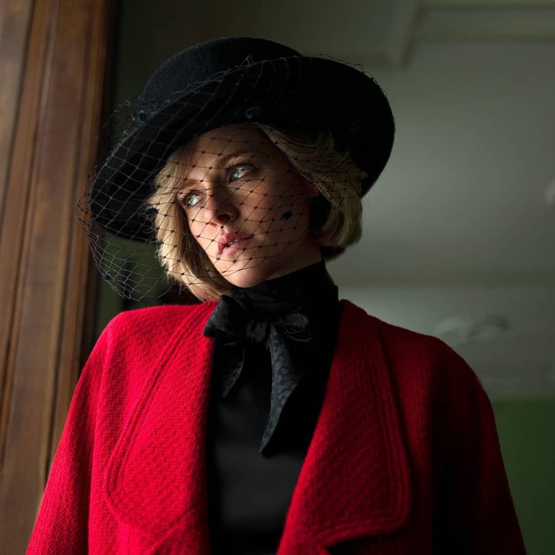 Kristen Stewart Diana hercegnőként a Diana című filmben.