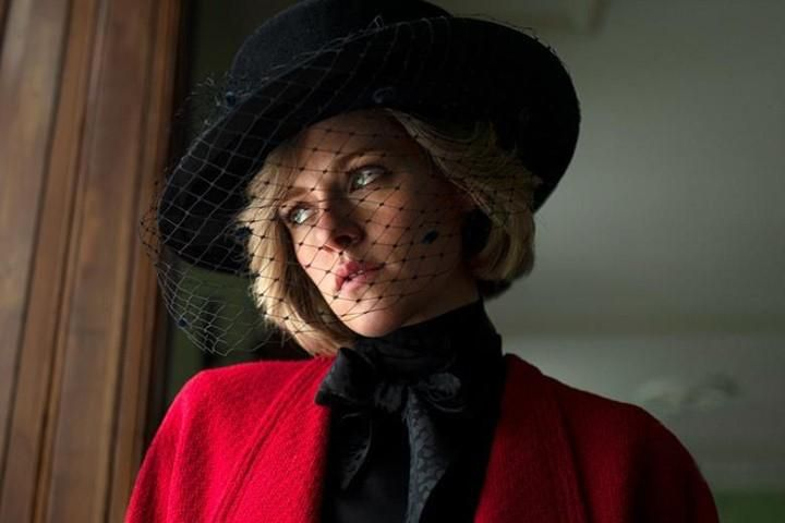Kristen Stewart Diana hercegnéként a Spencer című filmben
