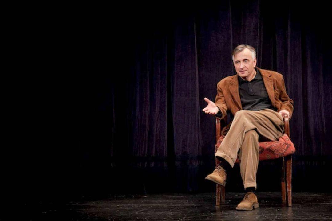 Mácsai Pál az Örkény Színház Azt meséld el, Pista című darabjában