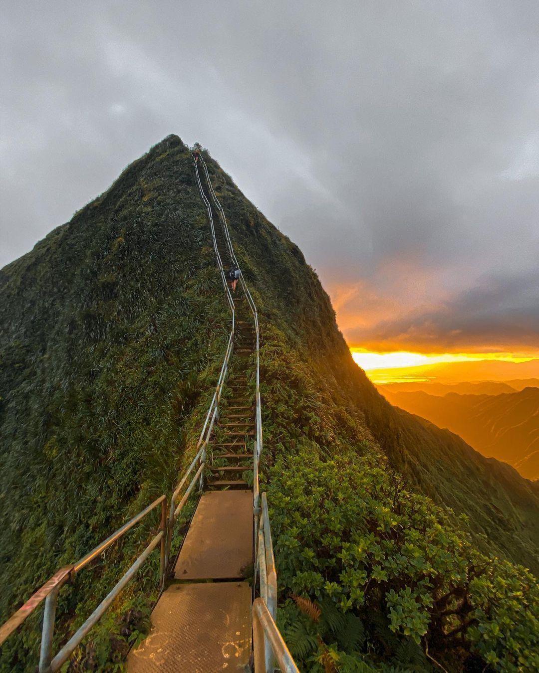 Az Oahu Ko'olau hegységen található Ha'ikū lépcső
