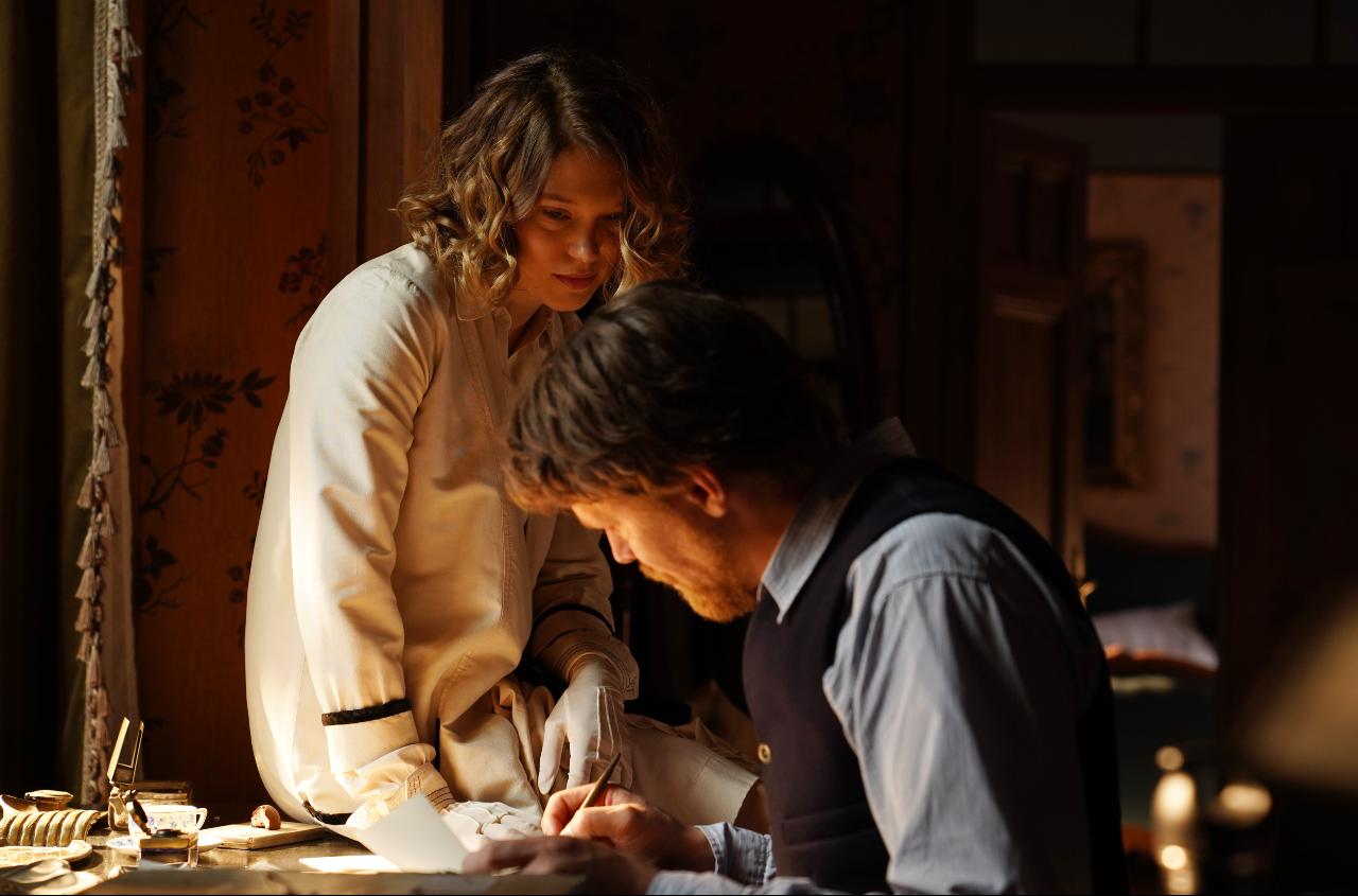 Léa Seydoux és Gijs Naber A feleségem története című filmben