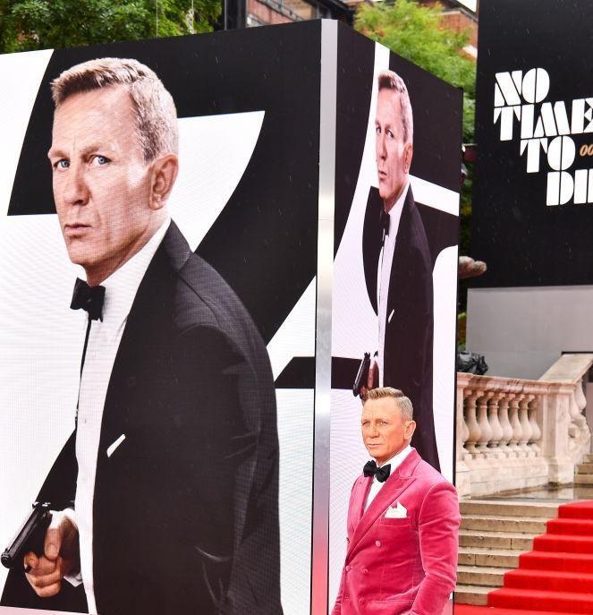 Daniel Craig a Nincs idő meghalni világ világpremierjén Londonban szeptember 28-án.