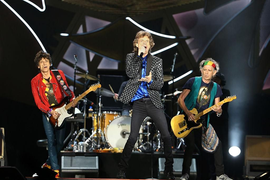 Ronnie Wood, Mick Jagger és Keith Richards az új-zélandi Mt Smart Stadiumban tartott koncertjükön 2014-ben